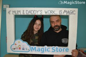 mum-e-daddys-work-is-magic-02